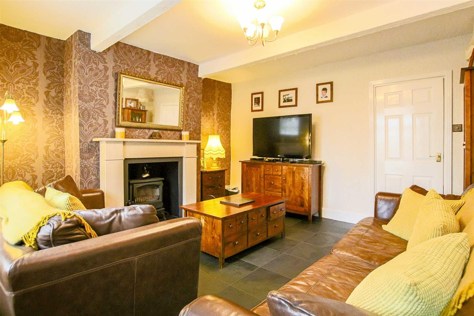 3 Bed Mid Terrace House For Sale - Main Image